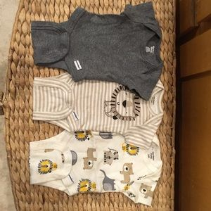 Safari Set of 3 onesies - Organic Cotton Preemie